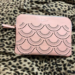 IT cosmetics cosmetic bag